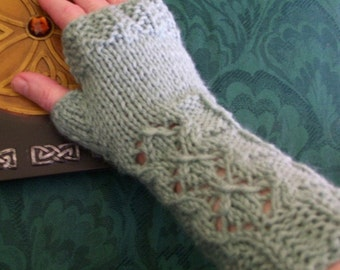 Delicate Desire Fingerless Gloves Digital Knit Pattern