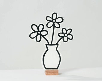 Wooden flowervase. Ideal for at home or the office. Great gift!