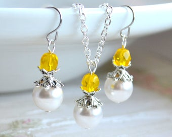 Yellow bridesmaid jewelry set necklace and earrings Bridesmaid jewelry set Bridesmaid Gift set of necklace and earrings Yellow weddings set