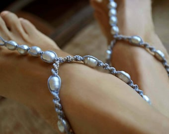 Gray Beach Wedding Shoes, Freshwater Pearl Bridal Barefoot Sandals, Pearl Anklet, 1 Pair