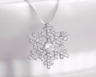 Snowflake Necklace, Sterling Silver Snowflake Necklace, Winter Wedding Necklace, Christmas Necklace, Christmas GIft, Gift for Daugther