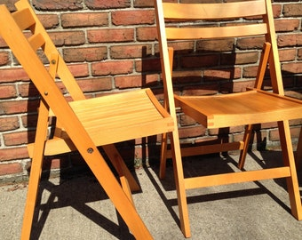 2 TWO Vintage Wood Folding Chairs With Dovetail Corners. Perfect For A  Wedding Or Event