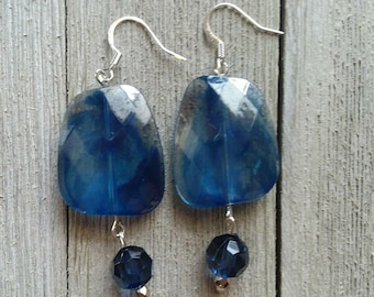 Deep blue and silver dangle earring