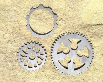 3 piece metal gears wall art