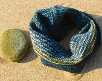 Petrol ribbed seascape snug handwoven in Brittany from Alpaca and Shetland wool