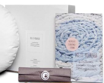 DIY box Reclycling Upcycling DIY crochet pillow