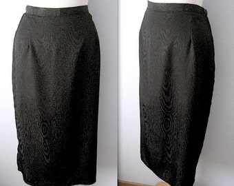 Vintage 80s black satin taffeta skirt - tulip shape - size Medium-Large