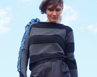 Striped sweater with ruffles, thermal material