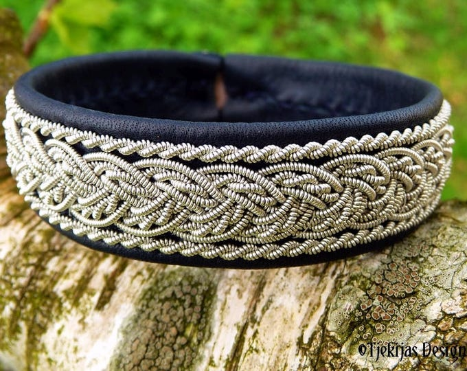 Shieldmaidens and Vikings Bracelet Cuff | Handmade Sami GRANI Norse Bracelet Bangle | Navy Blue Leather decorated with Pewter Braids