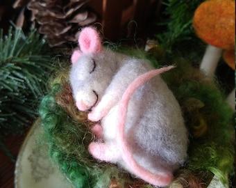 Needle Felted Sleepy Mouse