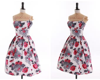 Vintage original 1950s 50s floral  print cotton dress by VictorJosselyn UK 6 US 2 XS