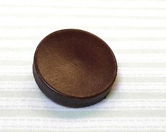 Jim button Leather button Big dot