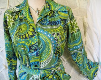Women's 1970s Contessa Label Mod Green Long Sleeve Button Down Big CollarMini Shirt Dress with Sash Tie  Size 10