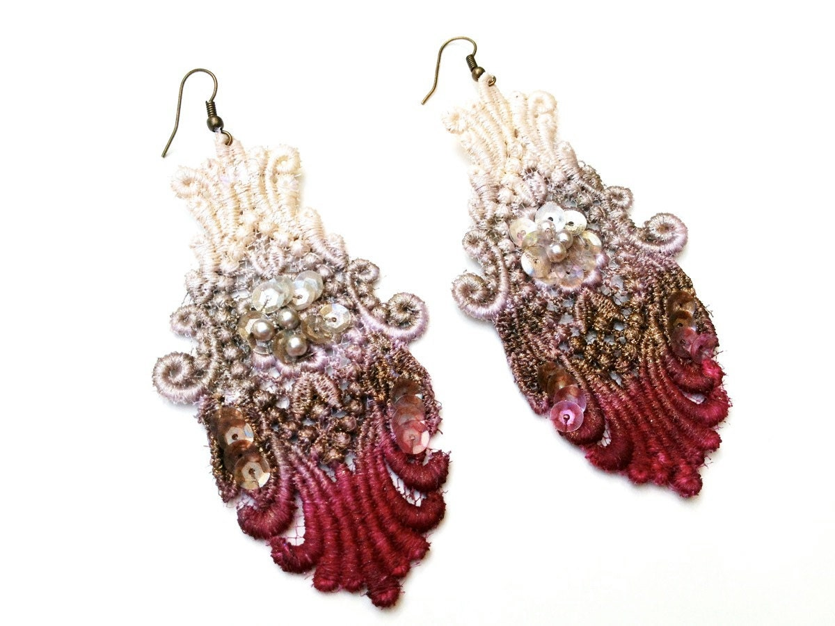 Lace earrings in burgundy red brown and tan ombre zoom arubaitofo Choice Image