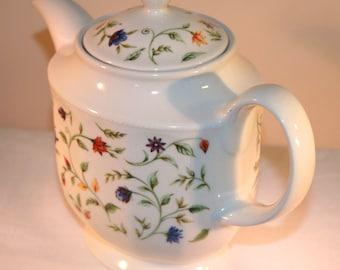Churchill Belgravia Meridian China Teapot//Belgravia Meridian Pattern//Vintage Teapot