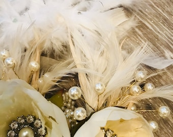 Gorgeous, accented brooch wrist corsage
