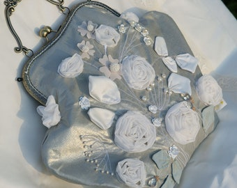 Handbag ribbon embroidery beads white roses Silver clutch Edwardian style Vintage needlework victorian dice bag evening kiss lock coin purse