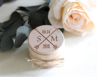 Wedding Ring Box, Wooden Ring Box, Wedding Gift, Vintage Ring Bearer Box, Engraved Wooden Box, Initials with Arrows Ring Box with Burlap