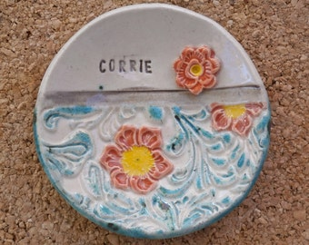 Personalized ceramic heart ring dish - Made to order jewelry holder with flowers