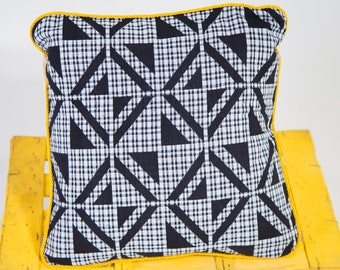 Woven kente pillow cover - scatter cushion cover - African cushion - African home decor - cushion cover- Black and White Woven Kente