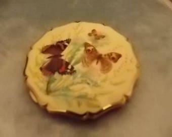 Vintage Stratton  Signed Butterflies Cream  Compact Gold  - GORGEOUS