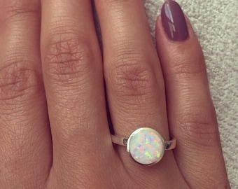 925 Sterling silver ring with round White or Blue Lab Opal