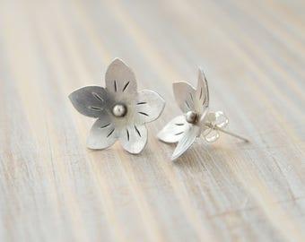 Flower earrings Botanical stud Nature jewelry Floral jewelry Botanical earrings Light earrings Floral stud Sterling silver stud Flower stud