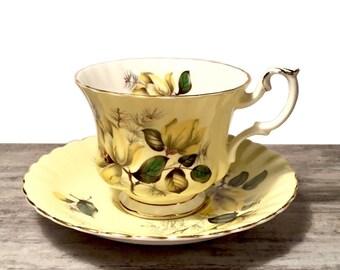 Vintage Royal Albert Teacup and Saucer, Pale Yellow Tea cup, Scalloped, Royal Albert Bone China Yellow Teacup, Canada Shop, Pattern 4502