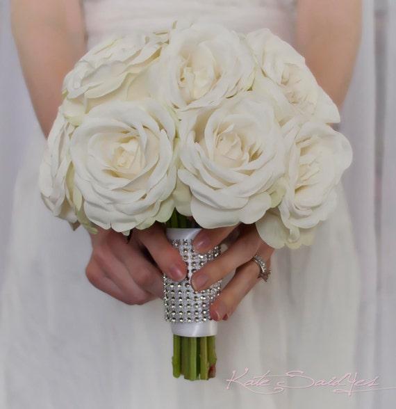 Bouquet de mari e rose blanche avec poign e de strass - Strass pour bouquet de mariee ...
