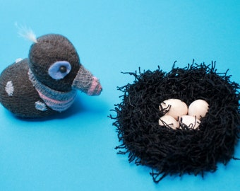 Little Quail hatching eggs