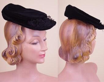 Vintage Black Velvet 30/40s Tilt Hat unqiue model