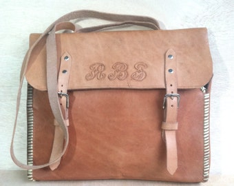 1980s Hand Tooled Tanned Leather Personalized Handmade Crosssbody Messenger Tote School Book Laptop Briefcase Shoulder bag