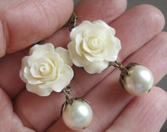 Creme Rose Earrings Pearl Earrings Vintage Pearl Earrings Bridesmaid Earrings Wedding Earrings Creme Carved Rose Earrings