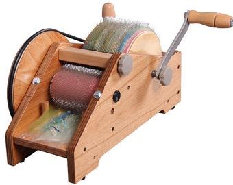 ASHFORD WILD CARDER portable art drum carder with fiber