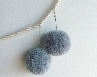 Pompom Earrings – Blue/Grey