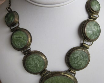 VINTAGE NEPHRITE? Bezel Necklace
