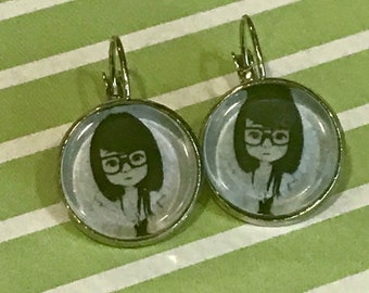 Girl with glasses cabochon earrings - 16mm