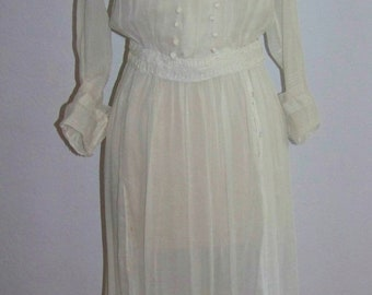 ON SALE ANTIQUE Edwardian C1910  Beautiful White  Dress Wearable And Good Size