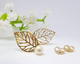 Women's Mother Gift, Gold Filigree Leaf Earrings, Pearl Leaf Earrings, Gold Leaf Post Earrings , Bridesmaids Earrings, Spring Weddings
