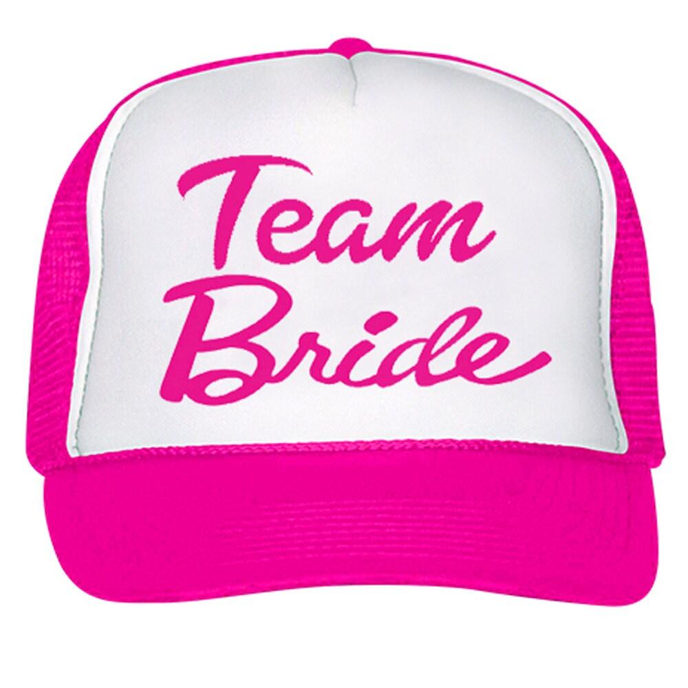 Acoplamiento de neón rosa equipo novia Barbie Font Trucker Hat