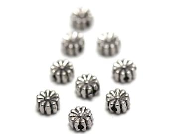 """10 """"flower multi-petales"""" beads, 6 x 3 mm, silver, has 077"""