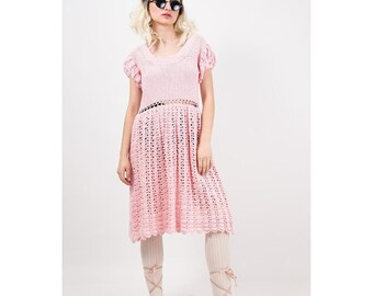 1940s crochet dress / Vintage baby pink cotton open weave knit dress / Puff sleeves / Kawaii /  M L