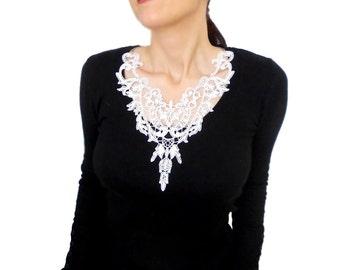 White bib necklace, wedding bridal choker, victorian choker, V neck choker, bridal necklace, minimal, crochet pendant