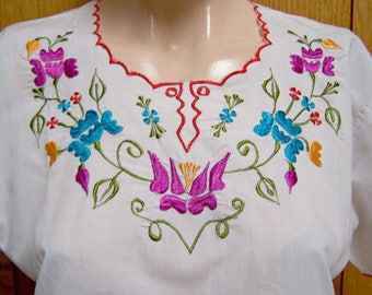 Mexican Blouse, Embroidered Blouse, White Blouse, size S