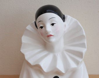 Vintage Collectible 1980s Pierrot Porcelain Sad Clown, Figurine, Ornament, French, Pantomime,  Commedia dell'arte, Love, Display, Home Decor