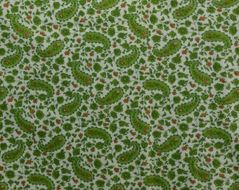 Vintage Cotton Knit Fabric Remnant, Green Fabric, Paisley Fabric, Green Paisley, Jersey Knit, Cotton Fabric - 1 1/4 Yard - CKF2512A
