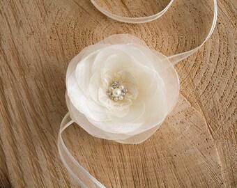 Ivory Flower Wrist Corsage, Wedding Wrist Corsage, Bride Bridesmaid Corsage, Ivory wrist corsage, Flower girl bracelet, Flower girl bracelet