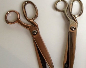Pair of Vintage Fabric Pinking Shears - Richards of Sheffield - Craft Supplies