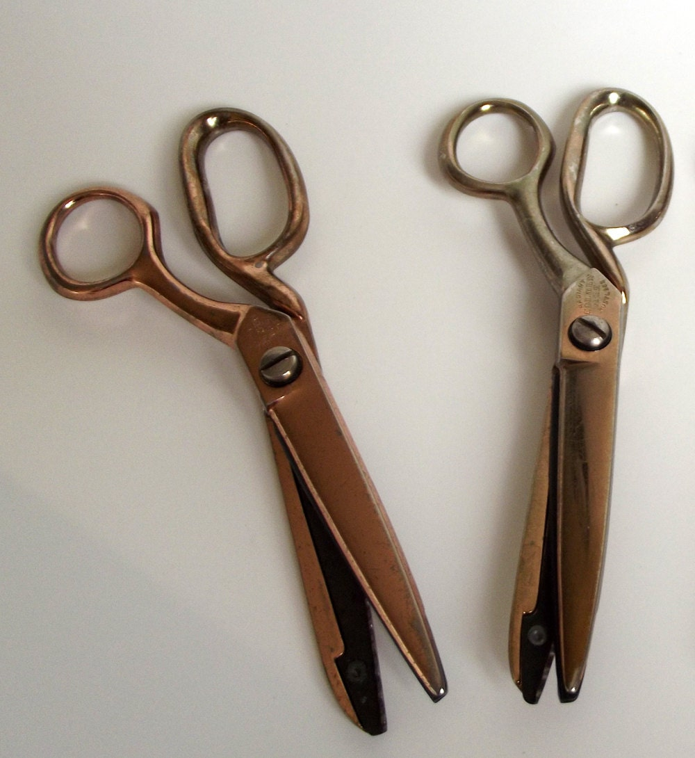 Pair Of Vintage Fabric Pinking Shears Richards Of Sheffield