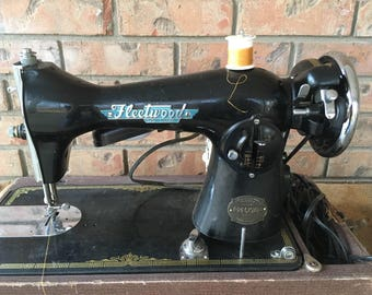 Antique sewing machine, vintage sewing machine, Fleetwood sewing machine